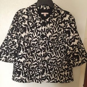 JM Collection black and white jacket size 14